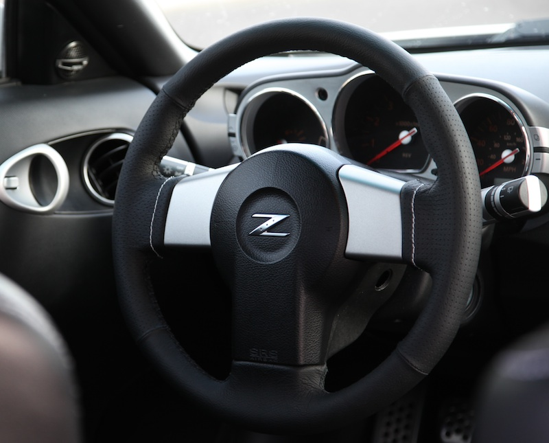 Nissan 350Z 2003-08 steering wheel cover