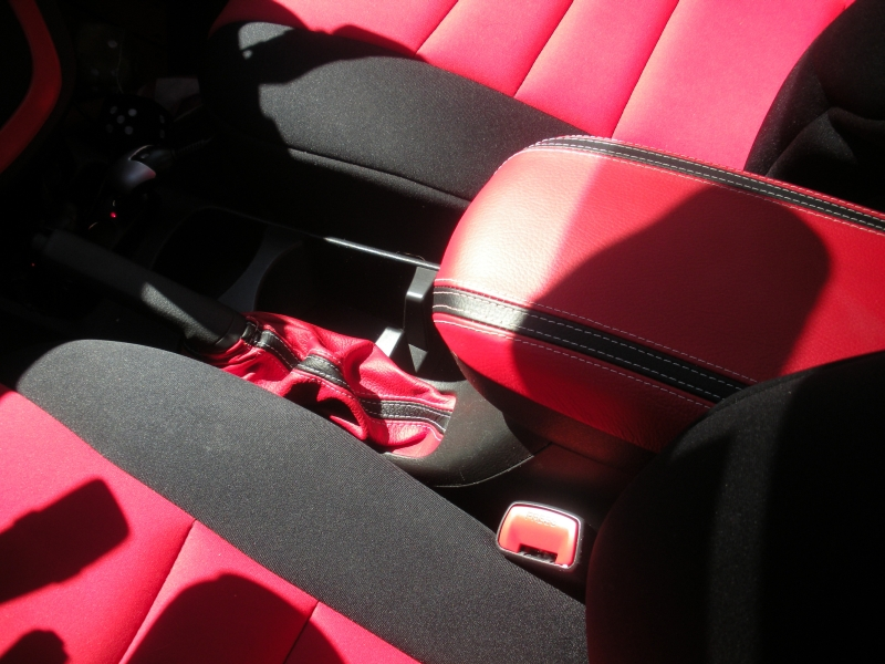 2009 10 pontiac vibe shift boot steering wheel cover. Black Bedroom Furniture Sets. Home Design Ideas