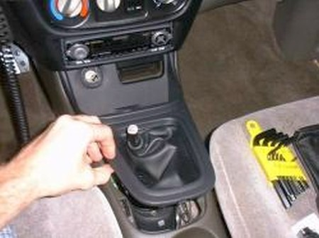 2000 06 Nissan Sentra shift boot installation