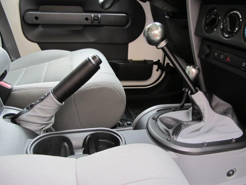 2007 10 Jeep Wrangler Shift Boot Amp Steering Wheel Cover